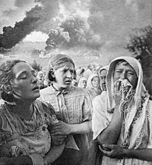 220px-RIAN_archive_633041_Kiev,_June_23,_1941